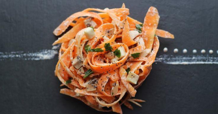 neli's raw: Tagliatelle con salsa di besciamella e fungi marinati