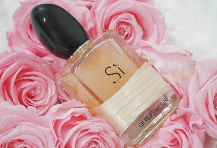 Giorgio Armani Si Rose Signature Eau de Parfum Review - the beautiful newest addition to the Giorgio Armani Si fragrance range.