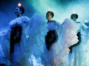 Ballet Folklorico Nacional De Mexico | El Ballet Folclórico de México celebra el Bicentenario en Beijing ...