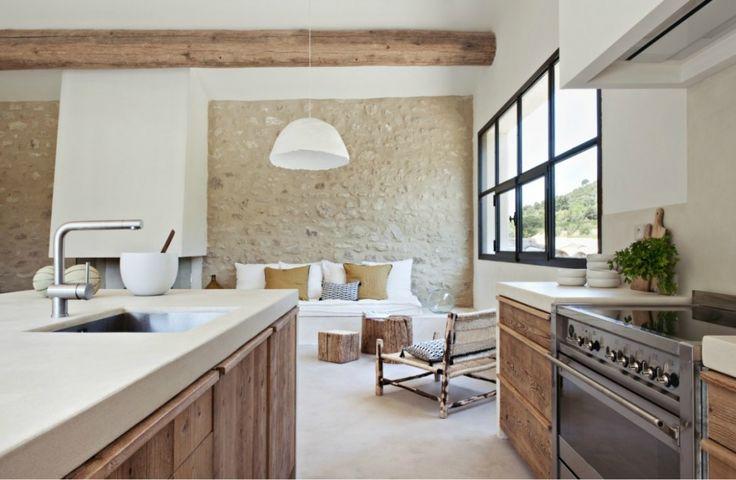 Mas dans le sud par marie laure helmkampf chiara stella - La residence kitchel par boora architects ...