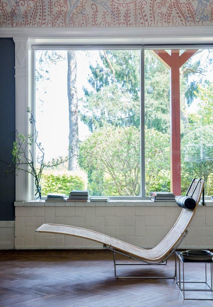 Modern PK24 Chaise Lounge by Poul Kjaerholm.