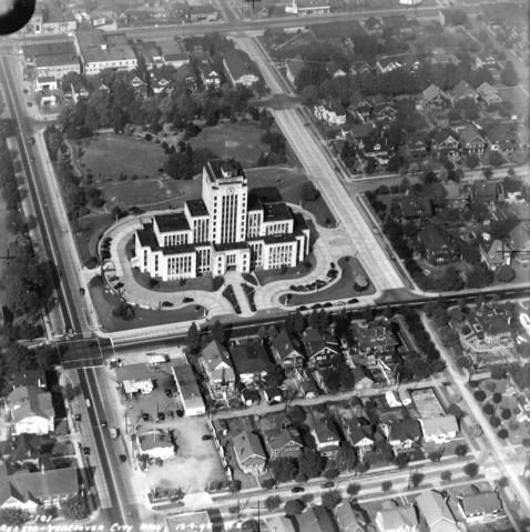 This is an aerial of Vancouver City Hall in 1945