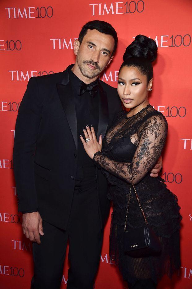 awesome Riccardo Tisci und Nicki Minaj Machen Sie einen schönen roten Teppich Paar