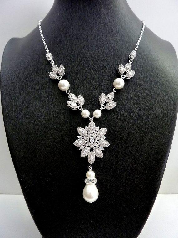 Braut Halskette Weißgold Plated großen Luxus Phantasie Flügel Zirkonia Anhänger Ivory Pearl und Blatt Zirkonia Hochzeit Halskette