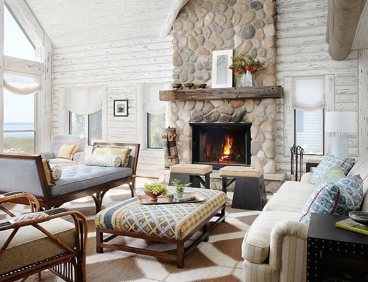 Such a cozy cottage living room!