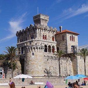 Waves, surfers and sports – Estoril / Portugal | Cookbook Travels