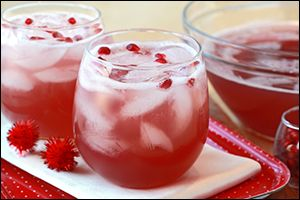 Low-Calorie Holiday Cocktail Recipes, Festive Drink Recipes | Hungry Girl