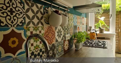 Die Einmaligkeit von spanischen Zementfliesen liegt vor allem in der Pracht ihrer Muster. Ein mit den Mosaik Zementfliesen verlegter Boden wird immer zum Highlight jeder Räumlichkeit und garantiert einen spektakulären Effekt. Die Fliesen sind zwar speziell für den Boden bestimmt, können aber auch an der Wand verlegt werden. Ob Sie die marokkanische Zementfliesen in Ihrem Bad, auf dem Balkon, auf Ihrer Terrasse, in einem Restaurant, einem Hotel, einer Botschaft oder in Gebäuden für…