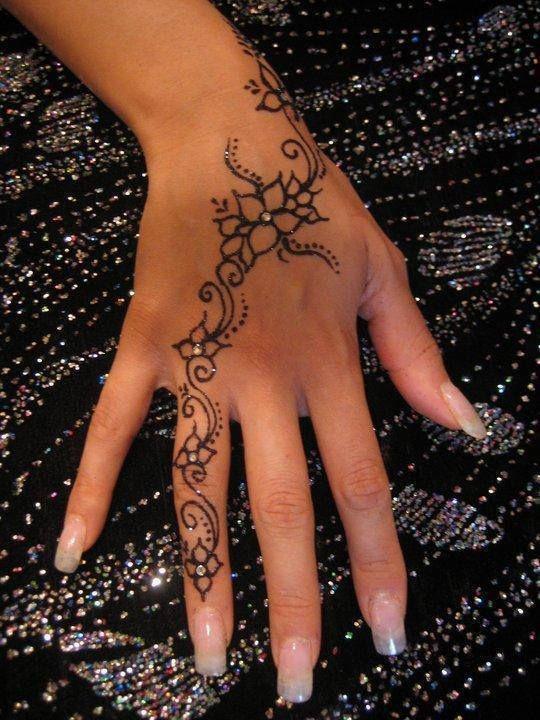 gorgeous henna swirl flower hand tattoo strass stones