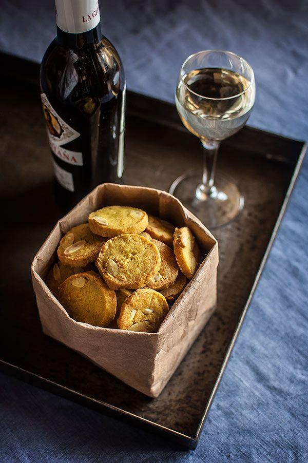 galletas saladas de queso manchego, curry y almendras