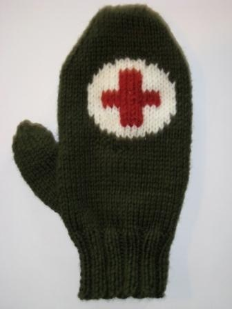 M*A*S*H Mittens.  Knitted mitten pattern.  http://www.ravelry.com/patterns/library/snowman-mittens