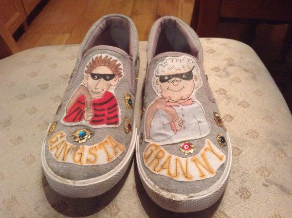 @davidwalliams my son Ben's school, didn't dress up, they had to decorate shoes instead. Here's his!  via @VickyTwynham