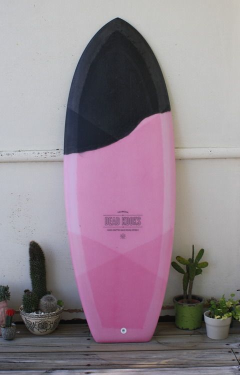 This would be a cheezy pink girly surfboard if there was no black tip and if it wasn't made by Dead Kooks. This way it's a...hm...I don't know what it is :)