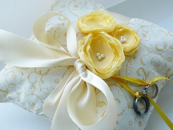 Light Yellow And Cream Ring Bearer Pillow Wedding Ring