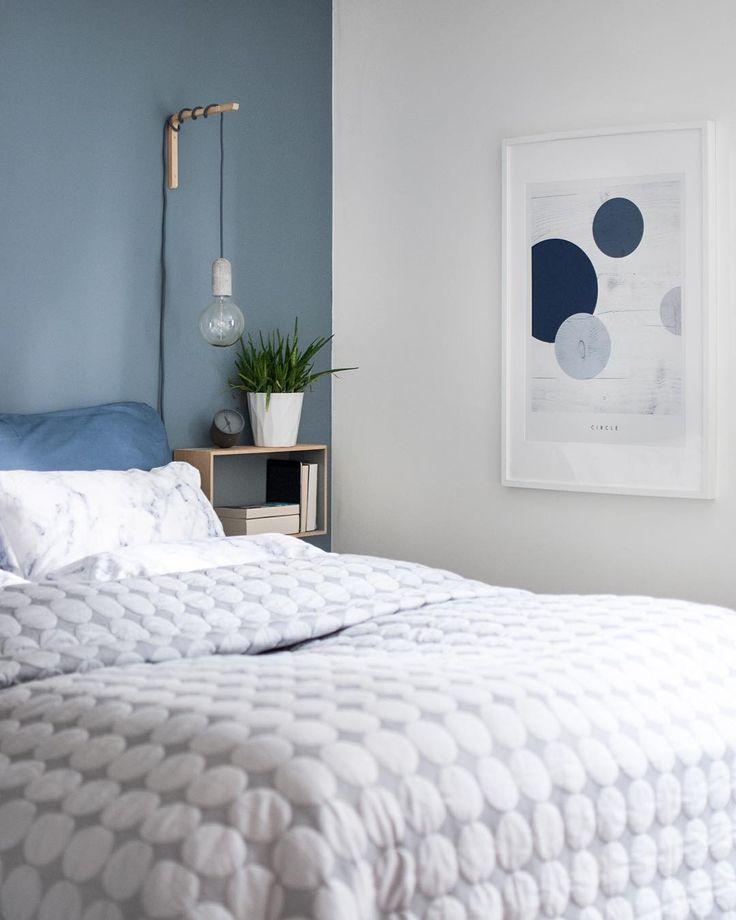 Geometric Circle in my bedroom #megadot #haydesign #minimalistic #geometricposter #nudcollection #jotunlady #blåis