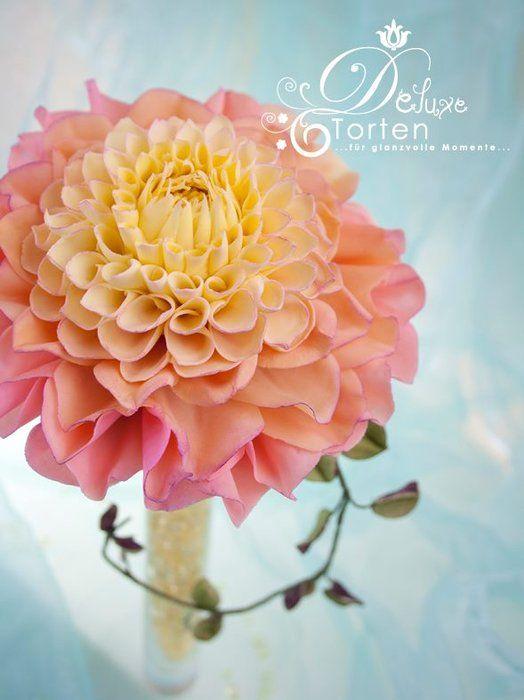 gumpaste dahlia - by Milla @ CakesDecor.com - cake decorating website
