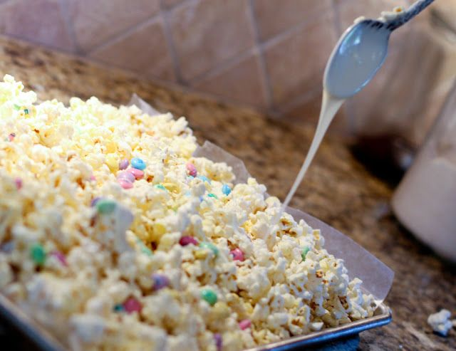 white chocolate popcorn recipe ...........click here to find out more http://googydog.com