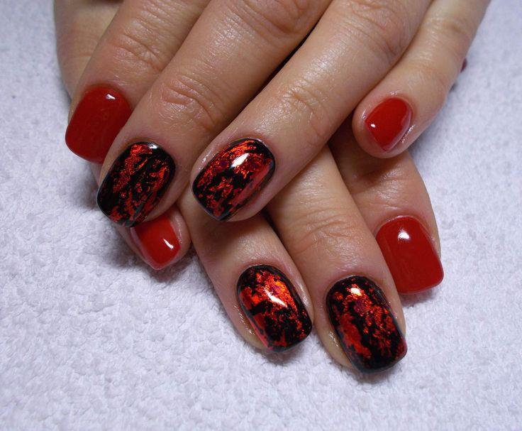 These nails are really cool and romantic ! :33