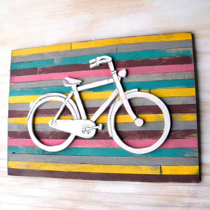cuadros sobre palés con relieve de bicicleta