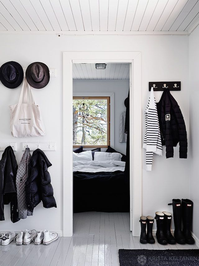Hallway in an idyllic Finnish cabin in the Inkoo archipelago. Photo: Krista Keltanen.
