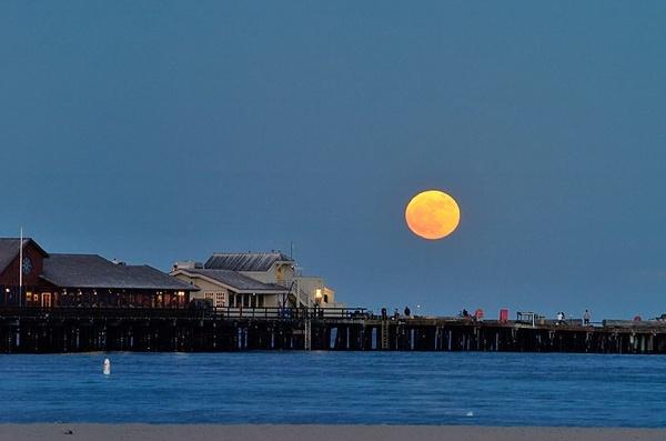 Santa Barbara moon