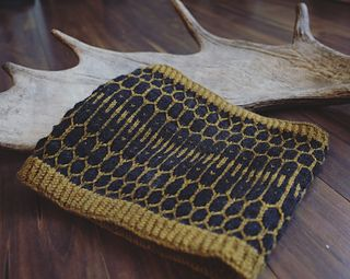 """""""Let It Bee"""" is offered at 50% off until January 31st 2018! No Code needed.  #knitting #cowl #handmade #handknit #yarn #honeycomb #letitbee #strandedknitting"""