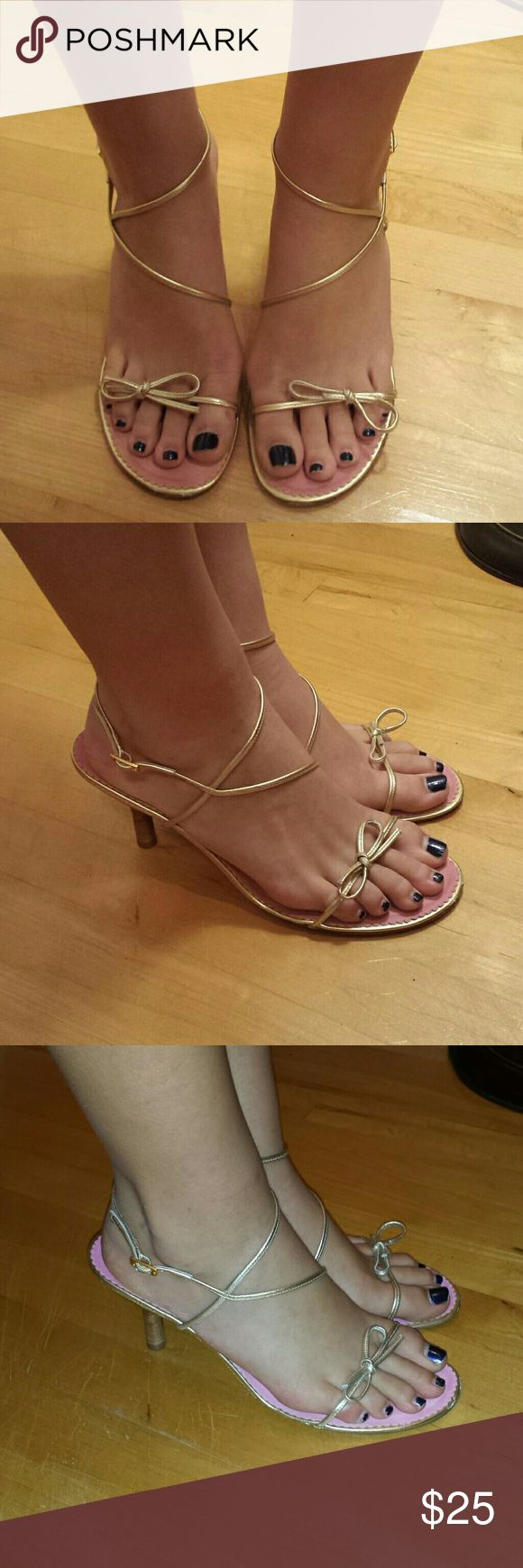 Lilly pulitzer gold strap heels size 10 Cute lilly pulitzer gold strap heels. Excellent used condition Lilly Pulitzer Shoes Heels