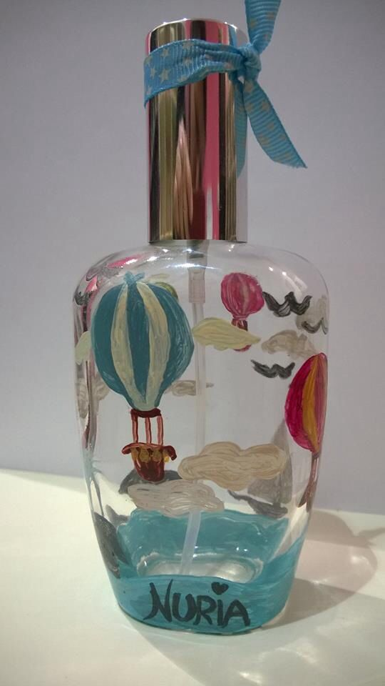 Este frasco pintado a mano encerrará un #perfume divertido con notas olfativas ligeras. #arte #diseño # diseñatuperfume