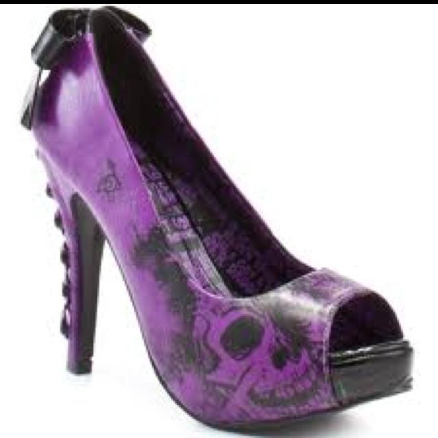 The 25  best Skull heels ideas on Pinterest | Skull shoes, Gothic ...