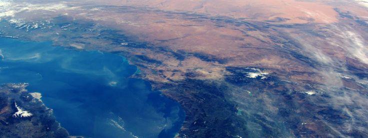 Une vue sur le détroit de Gibraltar entre l'Espagne et l'Afrique prise depuis la station spatiale internationale, le 13 mars 2016.   ESA / NASA / GETTY IMAGES
