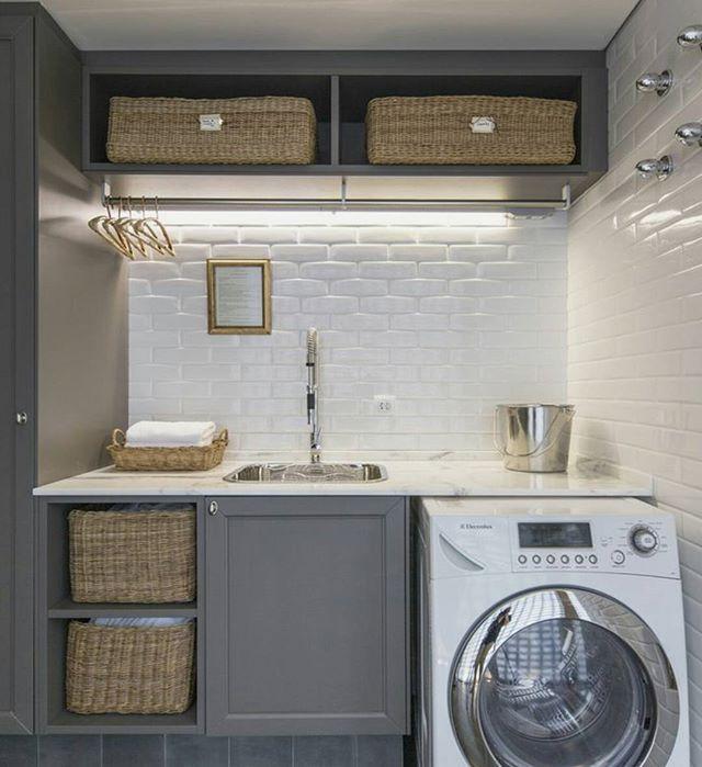 Design Inspiration : 현실과의 타협이 가장 필요한 부분....하지만 주부들의 로망. 따뜻하고 코지한 세탁실이 있다면~~~살림이 열배는 즐거워질 수 있을텐데요. .  가스로하는 건조기가 있다면 금상첨화 . 예쁜 집을 꿈꾸는 하루는 시작되었네요. Happy Saturday (사진출처 : pinterest ) . #인테리어 #인테리어디자인 #인테리어디자인팁 #핀터레스트 #해외사례 #세탁실 #셀프인테리어 #집스타그램 #리모델링 #아파트인테리어 #interior #interiordesign #interiordecor #laundry #ideas #homedecor #interiordecor #houseinterior #pinterest