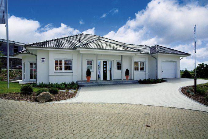 moderner bungalow riviera von rensch haus homes. Black Bedroom Furniture Sets. Home Design Ideas