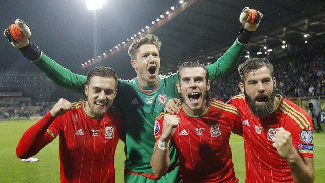 Hasil Euro 2016 Rusia vs Wales, Puncaki Klasemen Grup B Wales Melaju Ke 16 Besar - http://www.rancahpost.co.id/20160656921/hasil-euro-2016-rusia-vs-wales-puncaki-klasemen-grup-b-wales-melaju-ke-16-besar/