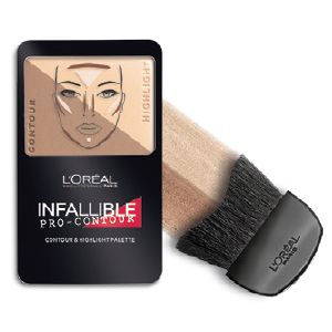 The brand new infallible pro contour palette. Contours in 30 seconds to define and highlight the face.