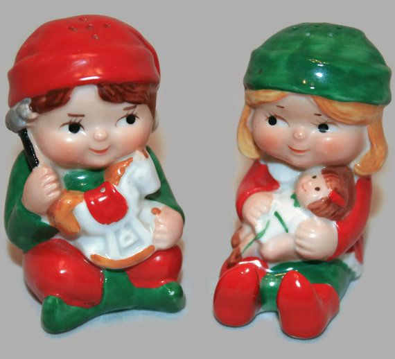 Avon 1983 ~ Christmas Elf Salt and Pepper Shakers ~ Christmas Elf Toy Makers ~ Avon Kids ~ Elf Salt and Pepper Shakers ~ ArtsyVintageBoutique