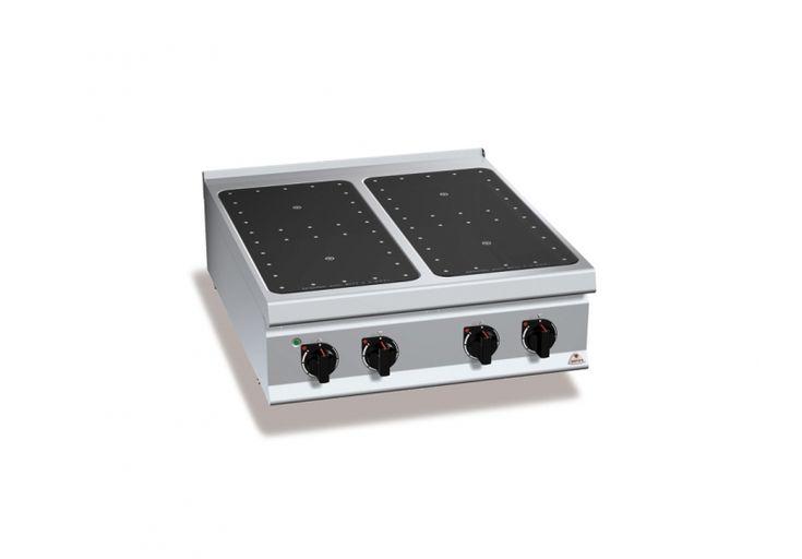 Cucina infrarosso e induzione contraddistinte da una superficie perfettamente liscia, garantiscono una pulizia veloce, in pochi gesti ed in pochi minuti, senza l'utilizzo di detergenti aggressivi.