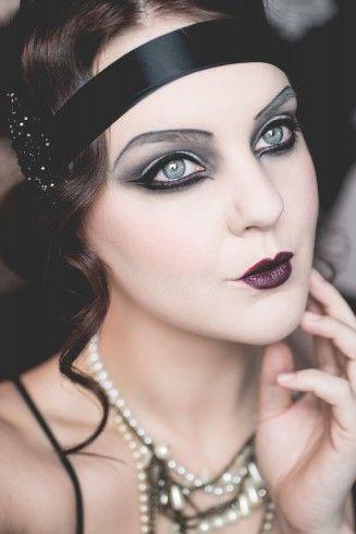 @molkan.se looking fab wearing Perfect Moisture Lipstick - Zinfandel, Eye Shadow Palette - Smoky Eyes, Cake Mascara - Black and Perfect loose Powder - Transparent. #halloween #20s #look #inspo #makeup #isadora
