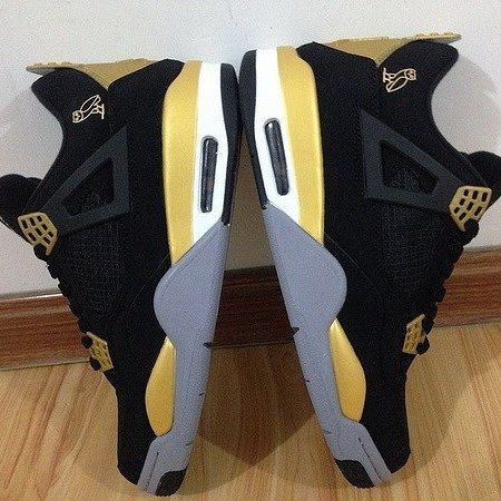 $50 CUSTOM WORK DEAL ENDS AFTER CHRISTMAS (Provided Shoes ONLY CUSTOMS & Restorations)  Inbox Me To Set a Order For Restorations  TXT: 843-618-3083 8am-8pm  Email: Hscustomskicks@aol.com  Website: http://ift.tt/2AznAev <<in my Bio  #highsocietycustomss #ovo #sneakerfiles #sneakernews #sneakerfreaker #theshoegame #jordansdaily #sneakershouts #kicksonfire #customkicks #nicekicks #solelysneakers #aceofcustoms #solehub #smiths_kickz #jordandepot