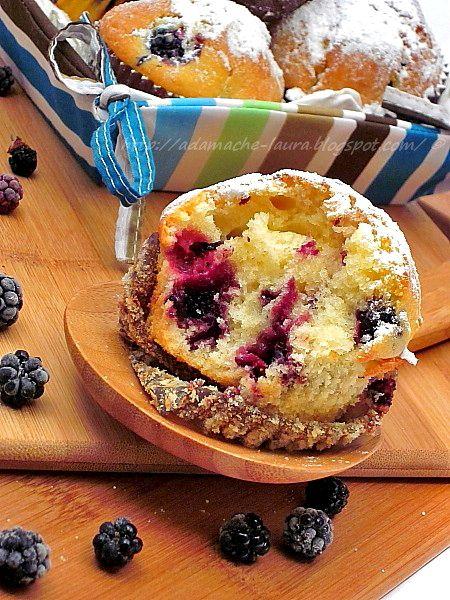 Muffins cu mure - retete culinare. Reteta de muffins cu mure. Retete de muffins. Mod de preparare si ingrediente pentru muffins cu mure.