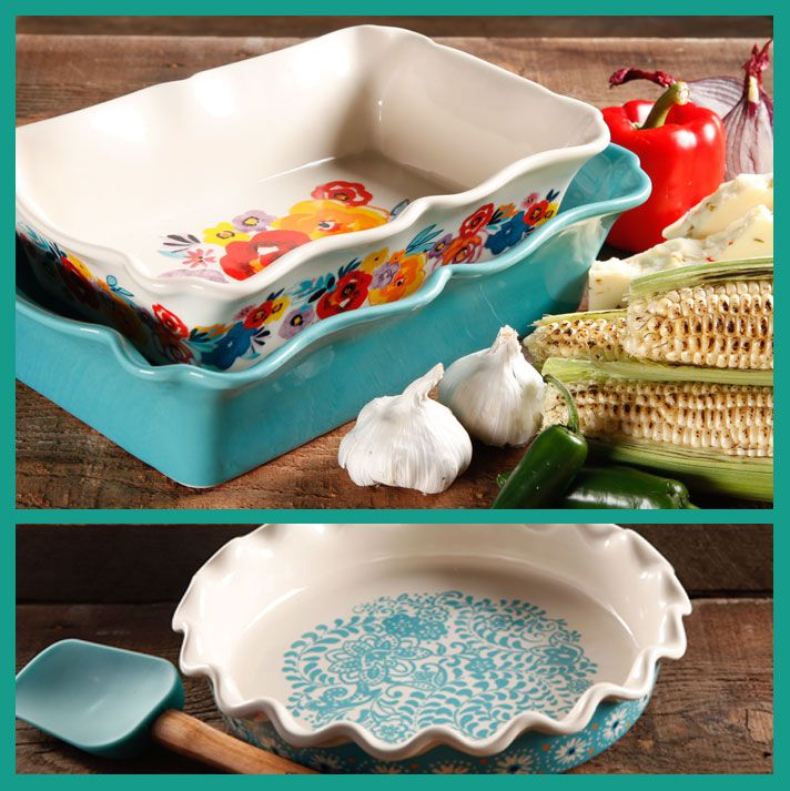 Pioneer Woman Bakeware! She is totally bringing back the look of Pyrex and that's why I love you Ree <3