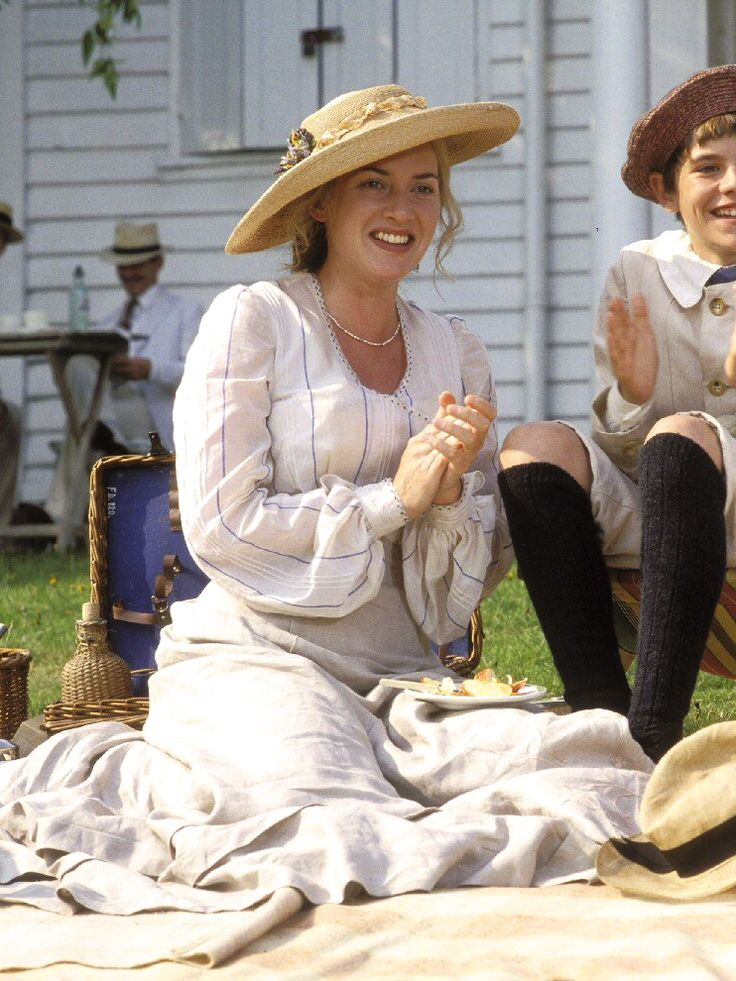 Kate Winslet as Sylvia Llewelyn Davies in Finding Neverland (2004)
