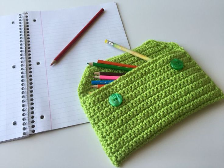 5 Little Monsters: Back to School: Basic Crocheted Pencil Bag (free crochet pattern)