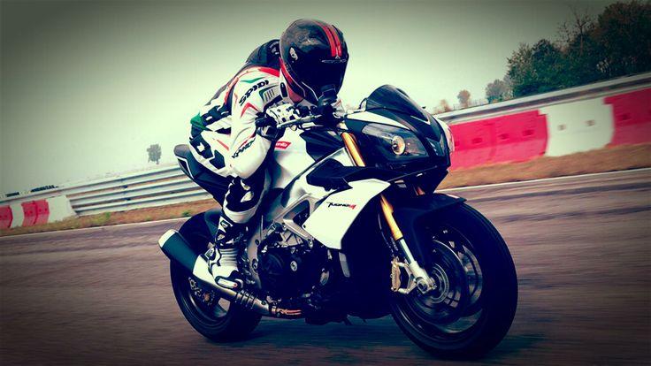aprilia tuono v4r aprc review 2014 Aprilia Tuono V4 R APRC ABS Revolutionise for Superbike