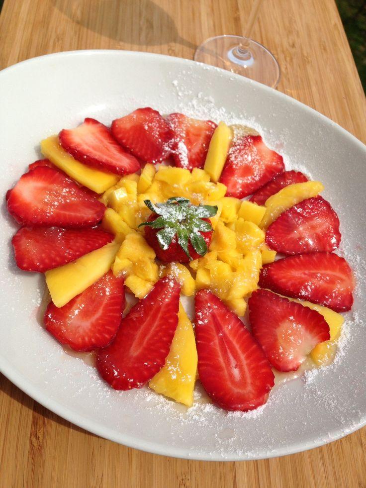 Fragole e mango in salsa di limone   no latte no uova