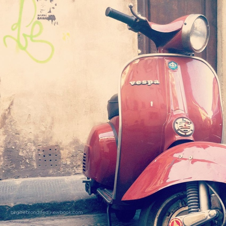 """""""A symbol of the Italian dolce vita"""". - From the photoblog www.adustyolivegreen.com"""