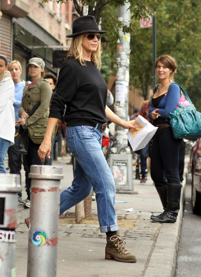 Jennifer Aniston And Justin Theroux Bond In The Big Apple
