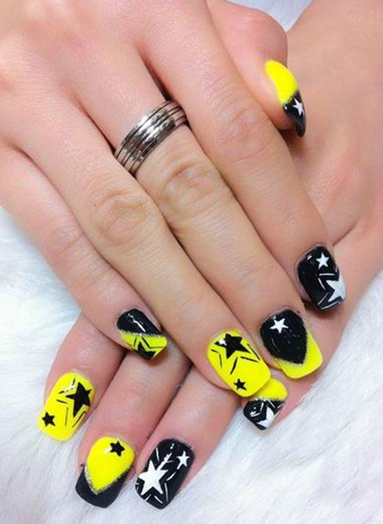 Base for Hufflepuff nail art