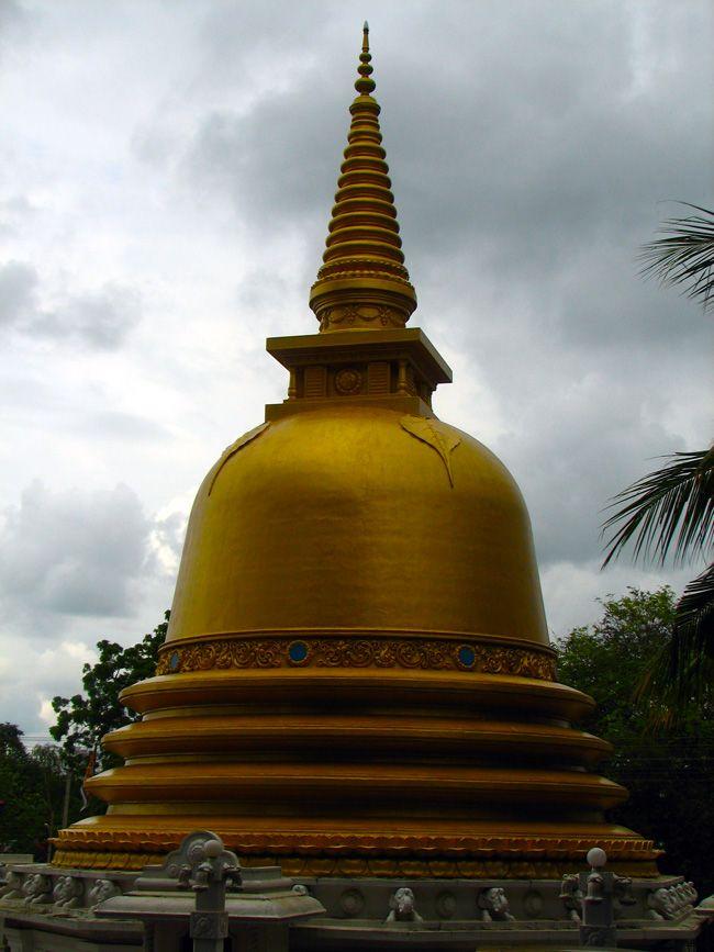 sri lanka buddhist temple - 650×867