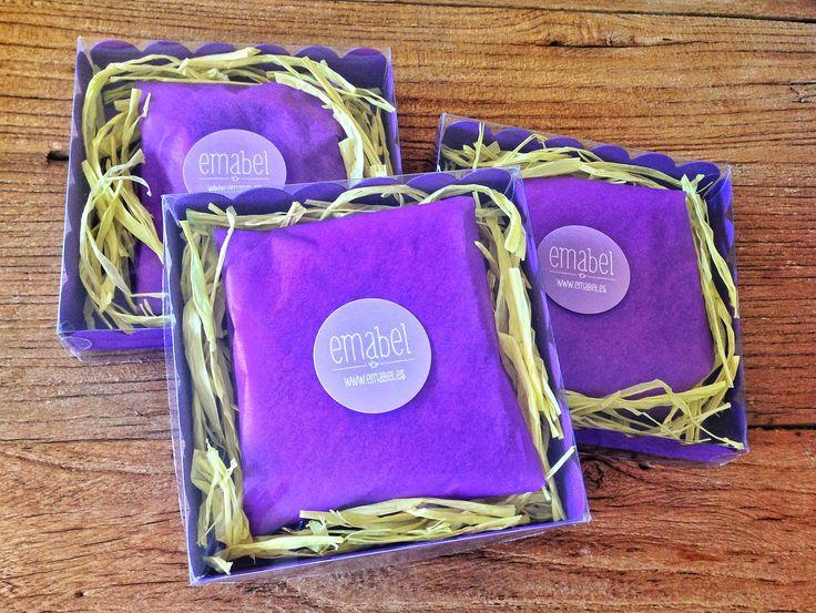 Packaging para collares y pulseras de Emabel. #LibertyPrint #SewLiberty
