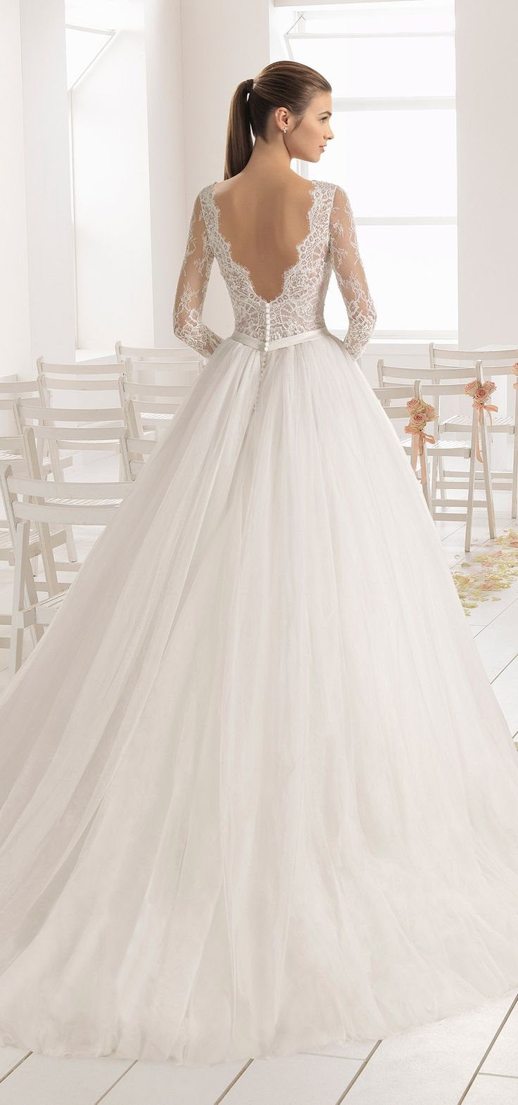 Breathtaking fairytale look! BAMBU tulle ball gown with long Chantilly lace slee…